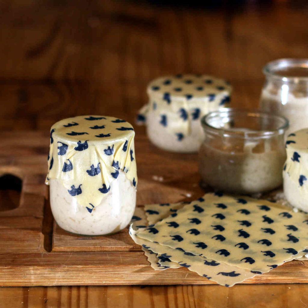 Couvrir un pot de yaourt avec un beewrap - étape 4 : passer au suivant !
