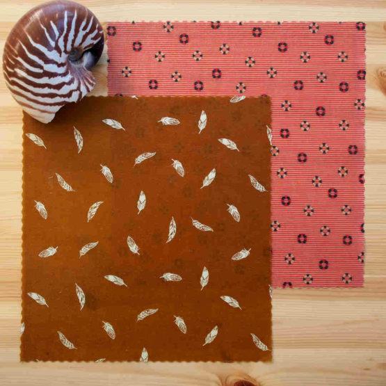 """Pack """"Duo écolo"""" de 2 bee wraps de taille moyenne de L'abeille qui emballe, collection """"Air marin"""""""